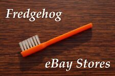 SOFT AND GENTLE NEEDLE / STYLUS CLEANING BRUSH FOR RECORD PLAYERS / DECKS