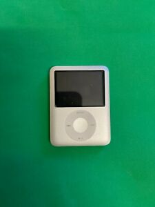 Apple iPod nano 3rd Generation Silver (4GB) - Dock Use! Fast Dispatch!