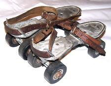 Ancienne paire de patin à roulettes de marque SPEEDY