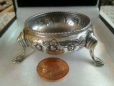 A lovely sterling silver Victorian salt very good condition no liner