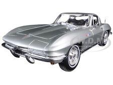 1965 CHEVROLET CORVETTE SILVER 1:18 DIECAST MODEL CAR BY MAISTO 31640