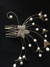Stunning Leaf  Hair Comb Gold Coloured Bride or Bridesmaid