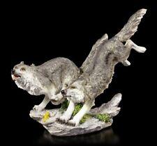 Wolf Figuren - Jagd über Stock und Stein - Wölfe Deko Statue