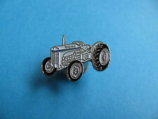 Small Massey Ferguson Tractor pin badge. VGC. Unused. Tractor, Farming Interest.