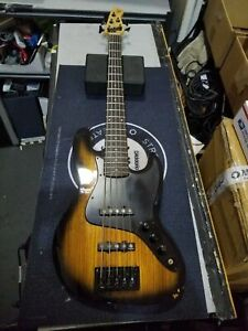 MICHAEL KELLY Element 5R 5-String Electric Bass