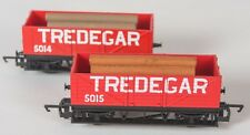 2x Hornby Railroad R6370 Tredegar wagons 5014 & 5015 detailed with loads