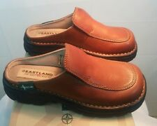 Womens Eastland Shoes 6 Medium Tan Worn Saddle Leather Slip on