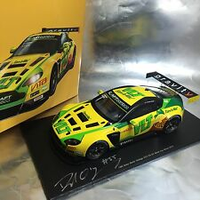 1/18 Spark Aston Martin Vantage V12 GT3 VLT 2015 Macau GP 2015 with signature