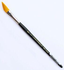 """Loew Cornell Dagger Striper Paint Brush 3/8"""" in LaCorneille Golden Taklon"""