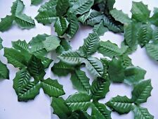 100 SMALL triple HOLLY silk LEAVES/CRAFTS/DECORATION/WEDDING/FLOWERS/CHRISTMAS