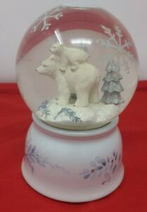 """Pfaltzgraff """"Winter Frost"""" Mother Polar Bear and Baby Musical Snow Globe"""