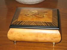 VINTAGE SORRENTO WARE MUSIC BOX JEWELLERY BOX WITH MUSICAL INSTRUMENT DESIGN