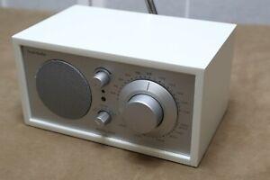 Tivoli Audio Classic Model One UKW/MW Radio  silber/weiss
