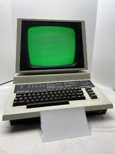 RARE 1984 Commodore 64 EDUCATOR COMPUTER CONSOLE 4064 T022555 UNTESTED POWERS ON