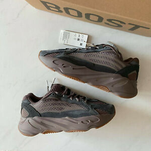 Adidas Yeezy Boost 700 V2 Mauve GZ0724 Size 9 or 11 - Brand New Deadstock