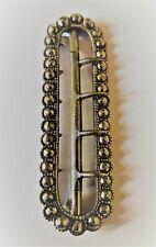 Boucle de chapeau XVIIIe en métal argenté et perles d'acier- 5,20 cm x 1,57 cm