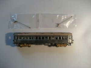 Vintage HO Walthers North Shore trolley coach