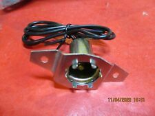 CHEVROLET-GMC--UNIVERSAL-OFFSET-MOUNTING--DOUBLE CONTACT --Signal-Socket-