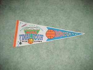 1992 NCAA Final Four Basketball Tournament White Pennant Duke Blue Devils Champs