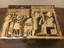 Caja de joyería de cuero real con diseño de oro en relieve Egipcio.