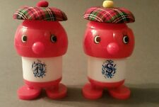 VINTAGE CUTE SCOTTISH SHAKERS ORIGINAL CONTAINER BY LUCKY CLOVER SALT & PEPPER