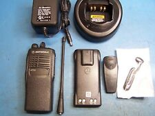 Motorola HT750 UHF 450-512MHz 16 Channel Mint Condition Tested