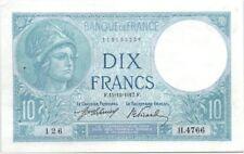 Billets de 10 francs français sur Minerve