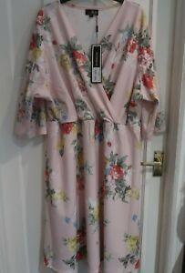 BNWT LOVEDROBE FLORAL WRAP DRESS SIZE 24