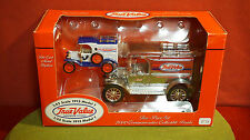 Ertl diecast 1:43 and 1:25 scale Truck True Value set 1913 Modle T-1913 Model T