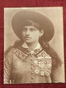 Annie Oakley 11x14 Photo Old West Collectors Series