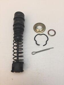 75-85 Toyota Land Cruiser Fj40, Fj45, Fj55, Fj60 Master Cylinder Repair Kit