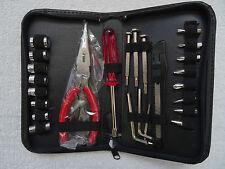 Tournevis douille Set avec pince en métal, scie, Clés Allen Dans Carry Case 11x19x3cm