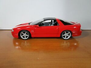WELLY 1/18 RED 2002 CHEVY CAMARO SS USED NICE *CUSTOM* 35TH ANNIVERSARY NO BOX