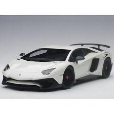 Autoart Lamborghini Aventador LP750-4 SV 1:18 74555 Bianco Canopus / Pearl White