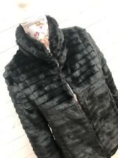 New Internacionale Beautiful Black Faux Fur Shaggy Short Coat Size 10