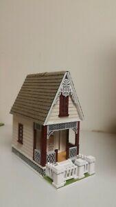 Little Ann 2 Victorian Cottage 1:48 Dollhouse (Milled siding / asphalt shingles)