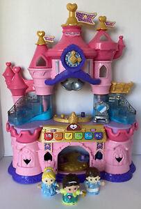 VTech Toot-toot Friends Magic Lights Castle. Musical Princess Castle & Figures