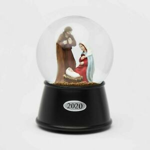 2020 Nativity Musical Snowglobe Water snow Globe baby Jesus Mary Joseph Manger