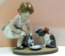 KITTY'S BREAKFAST TIME GIRL WITH KITTEN CAT ANIMAL FIGURINE BY LLADRO #8498