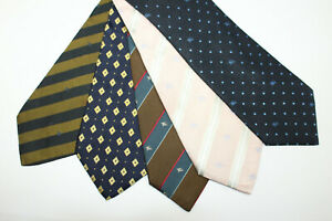 LOT OF 5 BURBERRY  silk ties. F6804