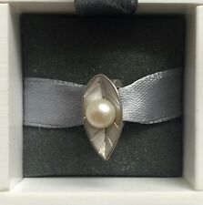 Endless Pearl Leaf Charm 21405 Brand new. Up to 30% off