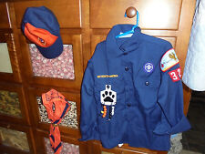 Lot of hat scarf ascot with shirt boy scout badges patches VGUC lot size Youth S