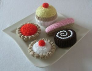 A Selection Of 5 Hand Knitted Cakes - Toy Food