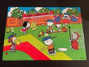 Vintage MB Circa 1971 Peanuts Snoopy Puzzle Baseball 250pc 19-7/8 X 13-7/8 RARE