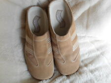 Women's Skechers Mules Size 7.5 (B,M) Casual Solid Brown Suede
