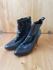 Ladies Size 7 Black Heeled Boots