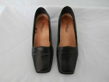 Easy Steps Ladies Shoes - Size 7.5C - Blue