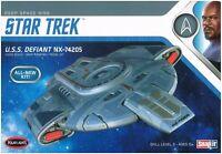 Polar Lights STAR TREK Deep Space 9 USS Defiant NX-74 POL952 Model Starship
