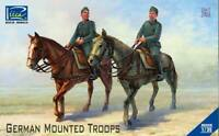 Riich Models 1/35 German Mounted Troops (2 Soldier Figures + 2 Horses)