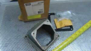 Hubbell HBL26404 60 Amp Angle Adaptor Plate - NEW